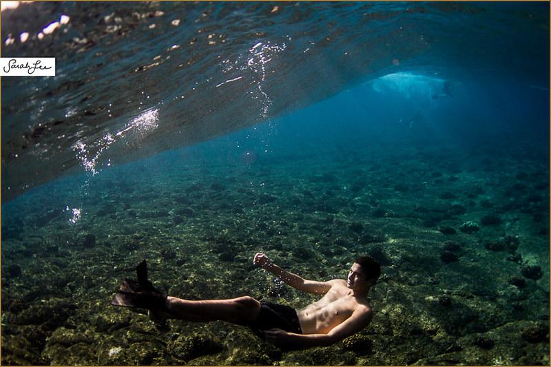 035-sarahlee-underwater_boy_smile.jpg