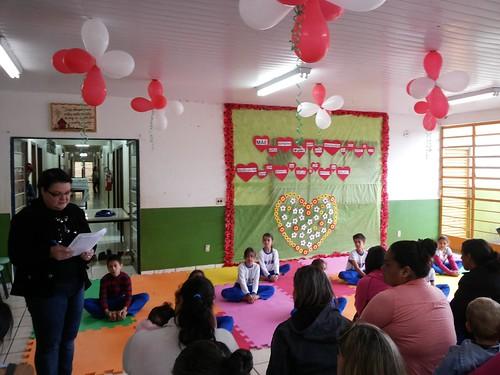 Escola Municipal São Cristóvão - Homenagem às Mães
