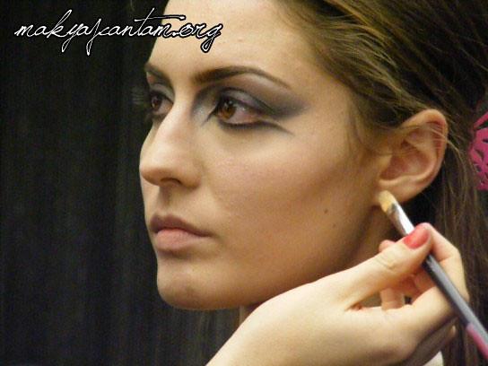 glitter ice makeup_14