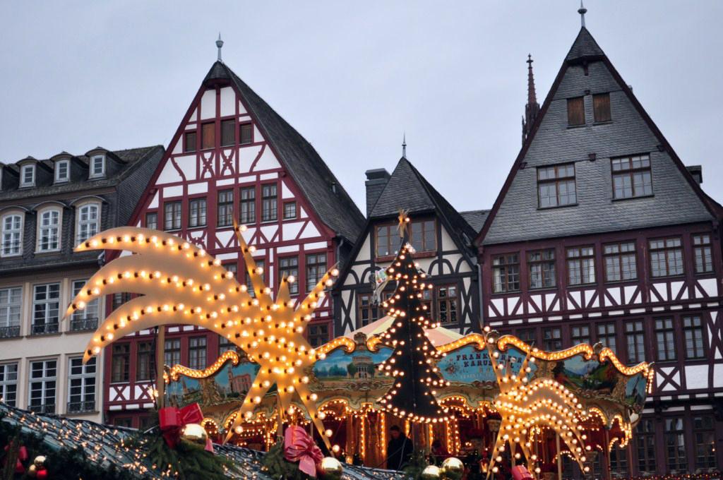Römerberg Platz Frankfurter Weihnachtsmarkt, el mercado de Navidad más grande de Alemania - 6464829711 0f1d496073 o - Frankfurter Weihnachtsmarkt, el mercado de Navidad más grande de Alemania