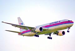 United Airlines Boeing 767-300; N654UA@ZRH;20.07.1996