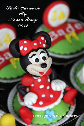 DISNEY CHARACTERS CUPCAKES- MINIE MOUSE