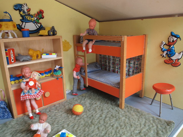 1966 bodo hennig puppenhaus kinderzimmer diepuppenstuben flickr photo sharing. Black Bedroom Furniture Sets. Home Design Ideas