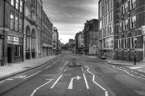 Photos of an Empty London on Christmas Morning Apart from the emptiness of the city, it is the silence that makes the experience such an addictive one for me.