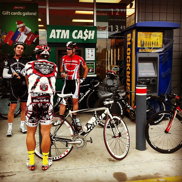 First rest stop. It was tempo. Floridians Ape'n it #airportride style #festive500