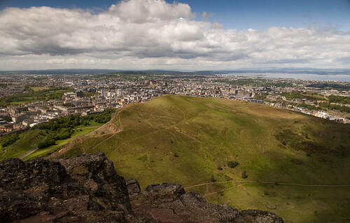 Edinburgh behind the crags