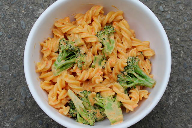 Roasted red pepper alfredo sauce