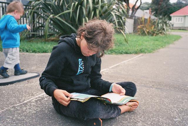 reading-walking