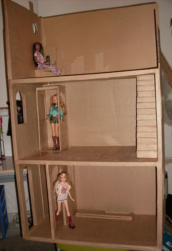 BarbieCardboardDollhouse012