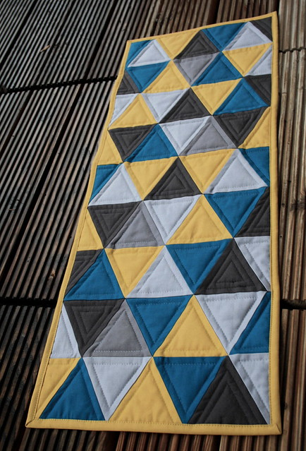 triangle mini quilt long