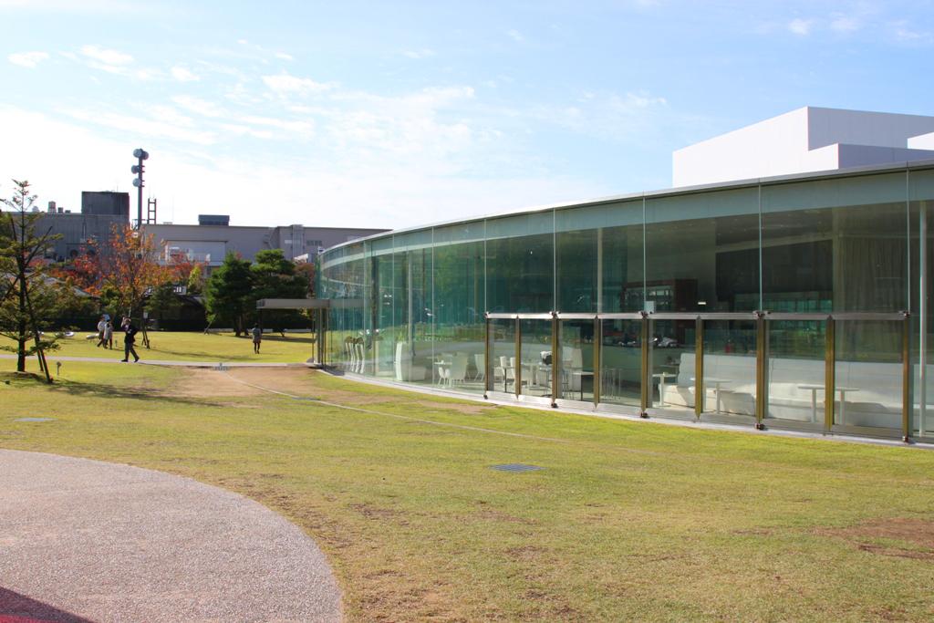 21st Century Museum of Contemporary Art, Kanazawa (8)