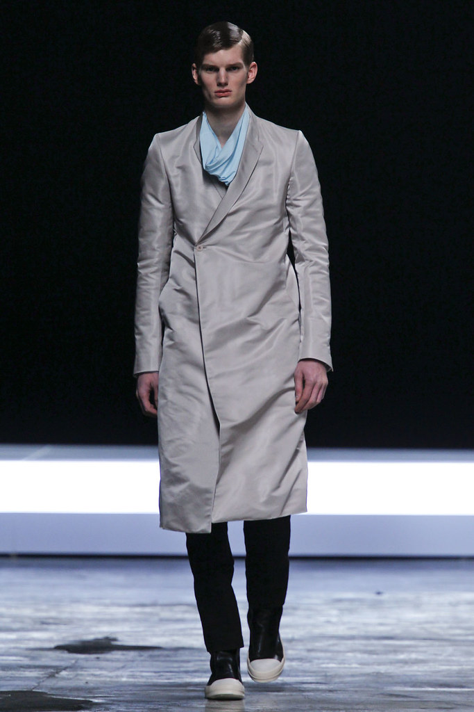 FW12 Paris Rick Owens008_Matt King(VOGUE)