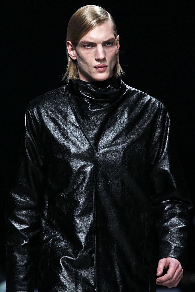 FW12 Paris Rick Owens072_Paul Boche(VOGUE)