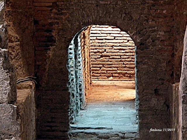 Baños Arabes Mallorca:Mallorca -palacio de la Almudaina -baños árabes