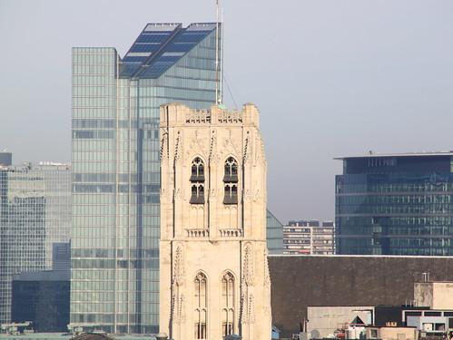 De kathedraaltoren met zicht op Brussel
