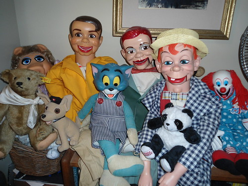 a cast of Characters Danny O'Day, Jerry Mahoney, Mortimer Snerd, Miss Piggy, Tom (of Tom & Jerry) Bozo the Clown