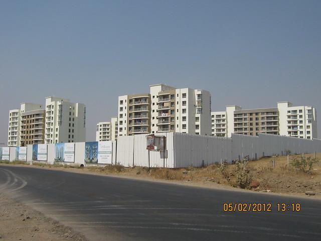 Konark Exotica & site of Alfa Life Scapes, 2 BHK & 3 BHK Flats, on Wagholi Kesnand Road, Wagholi, Pune 412 207