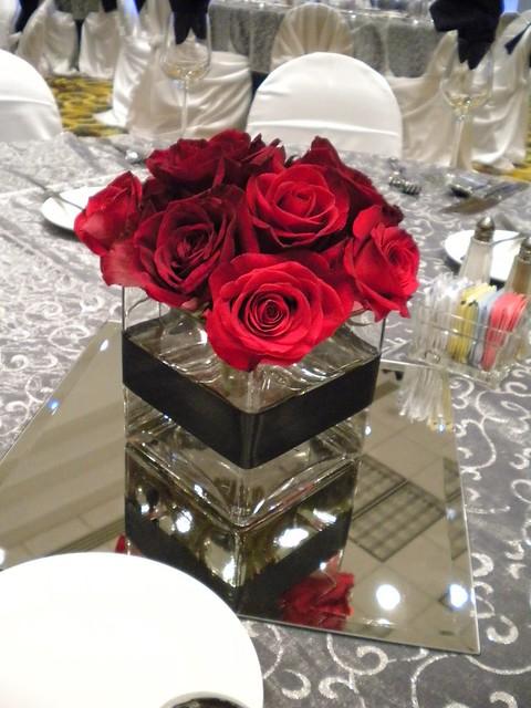 Rose Vase Centerpiece : Red rose centerpiece flickr photo sharing