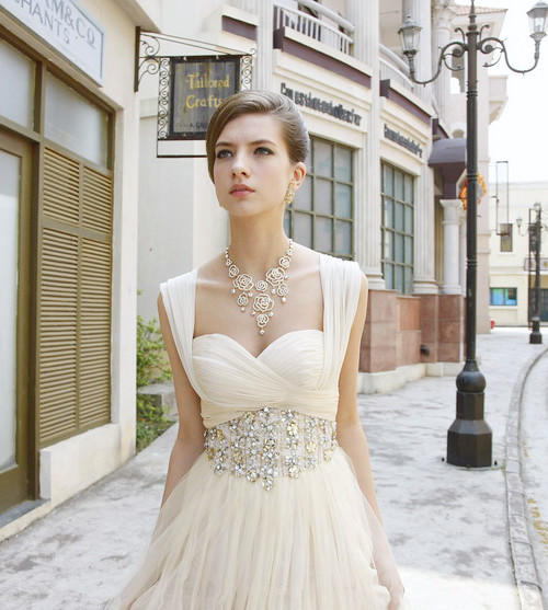 4465ec38a Cod.: 80329 - Romântico Vestido de Festa em Tule Deep Ivory ...