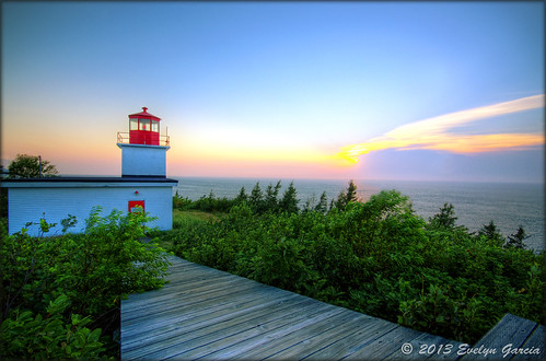 Long Eddy Point Light.