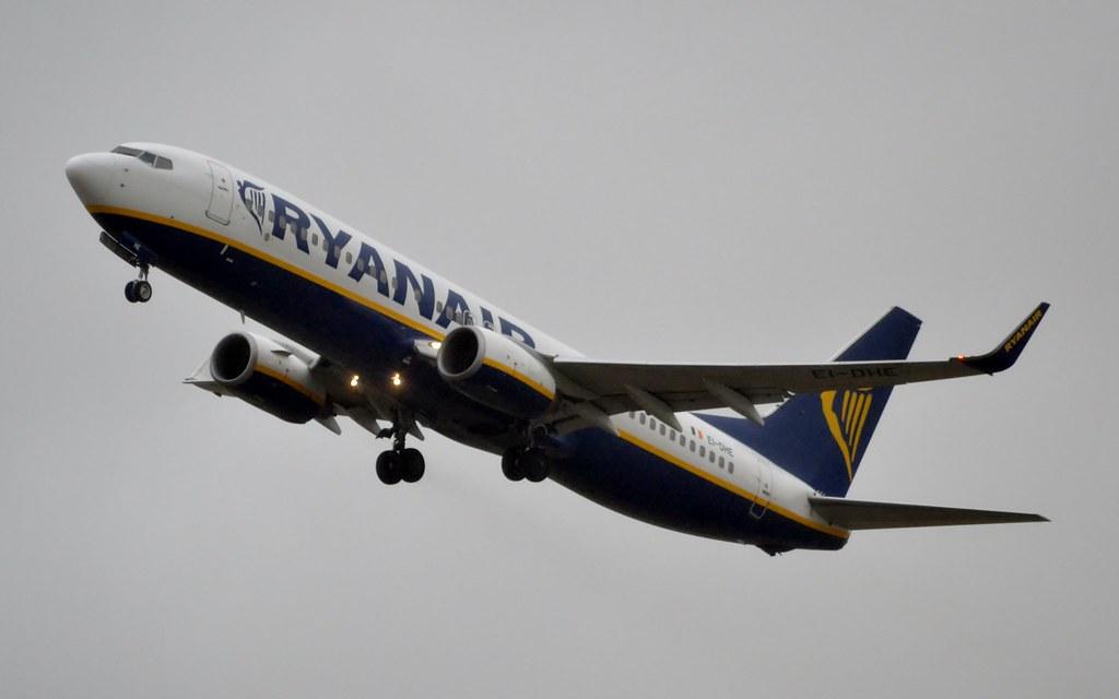 EI-DHE - B738 - Ryanair