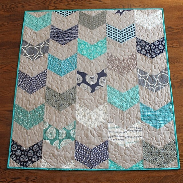 Check out my @jaybirdquilts Giggles quilt and pattern review on @sewsweetness blog!!!!