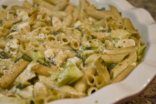 I was in need of a meal I could prepare in advance and have ready for our dinner at the e Creamy Broccoli, Chicken, and Penne Casserole Recipe