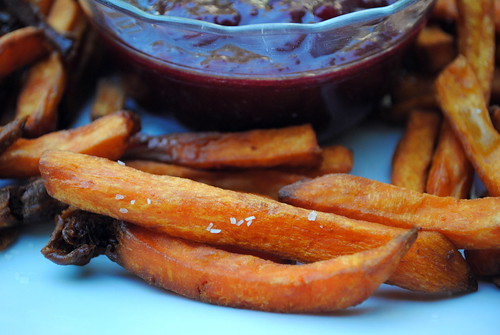 Sweet Potato Fries with Cranberry Ketchup