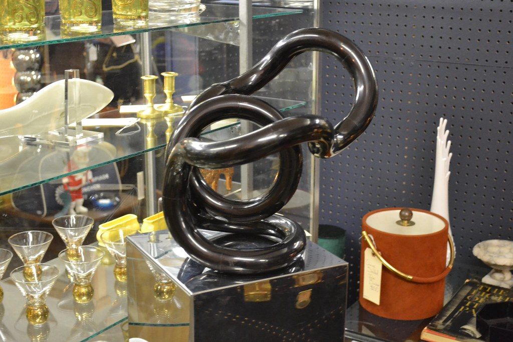 Black Zawitz Tangle Sculpture @ the STUDY Booth at Broadway Antique Market Chicago