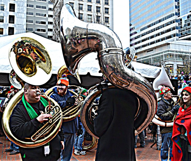 DSC_0168p_tuba_christmas_pioneer_courthouse_square