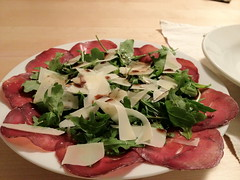 meal, breakfast, salad, vegetable, meat, salt-cured meat, prosciutto, food, dish, cuisine,