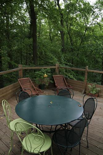 La terrasse de La cachette est sur le toit, pour un repasnoramique