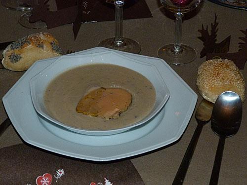 soupe de topinambours au foie gras.jpg