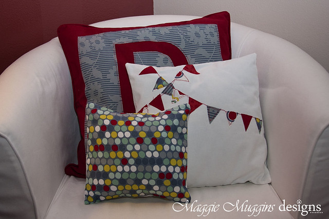 Decorative Pillows Set