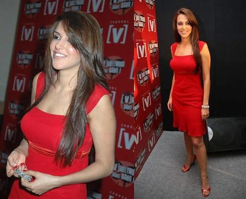 Neha-Dhupia-vestido-rojo-ceñido