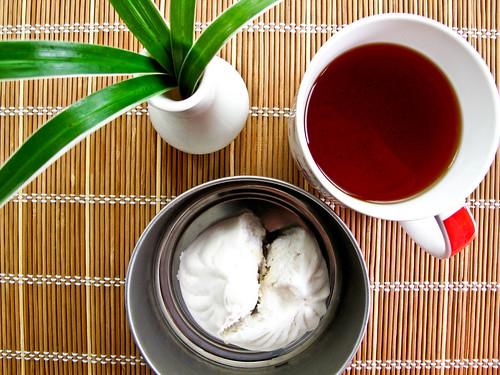 IMG_1192 Breakfast : char siew pau 叉烧包and lipton tea 红茶 , not Chinese tea不是中国茶