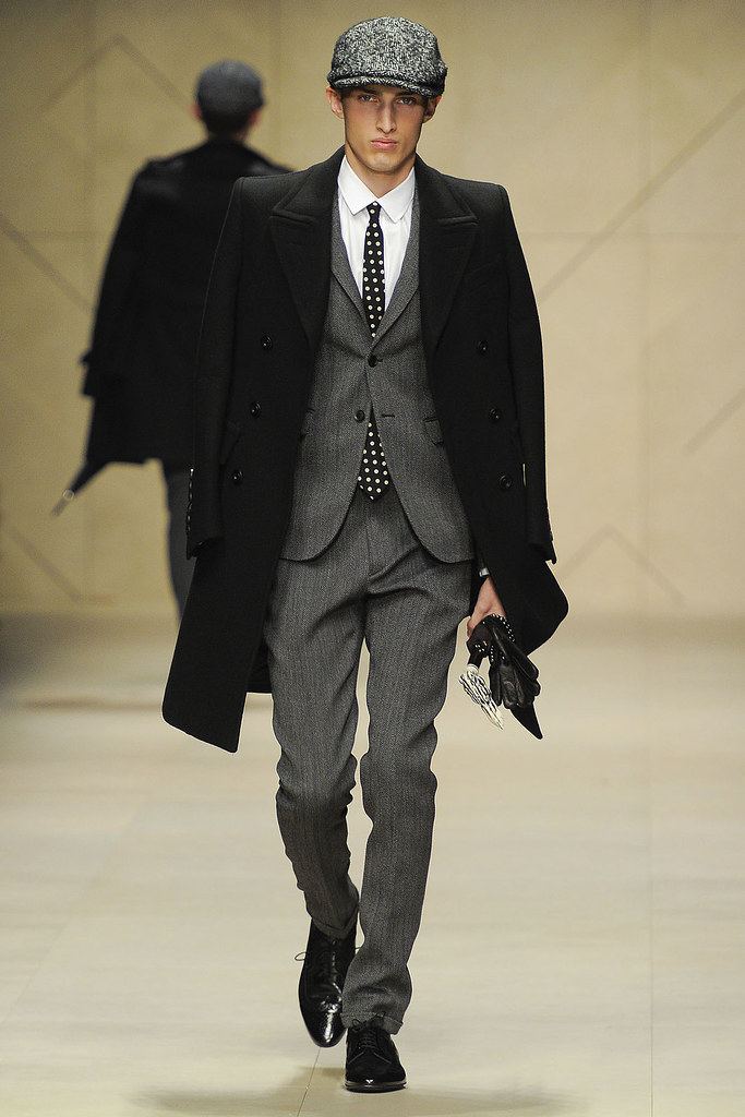 FW12 Milan Burberry Prorsum003_Charlie France(VOGUE)