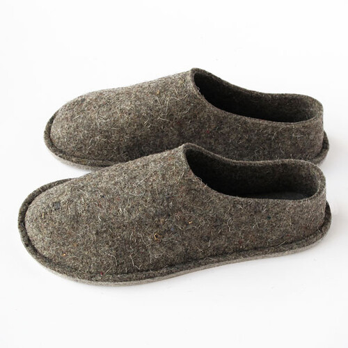 Felt slippers by Top Felt