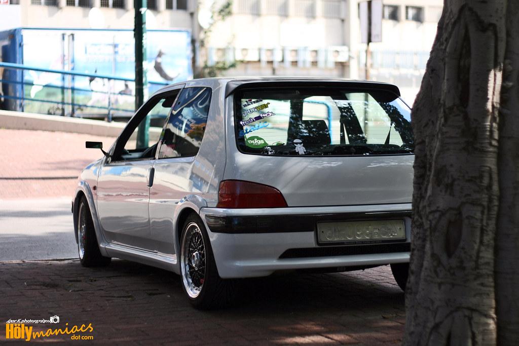 האופנה האופנתית סיקור כחול לבן: Vlad's Peugeot 106 Rallye - Refined Lion - FXP QU-86