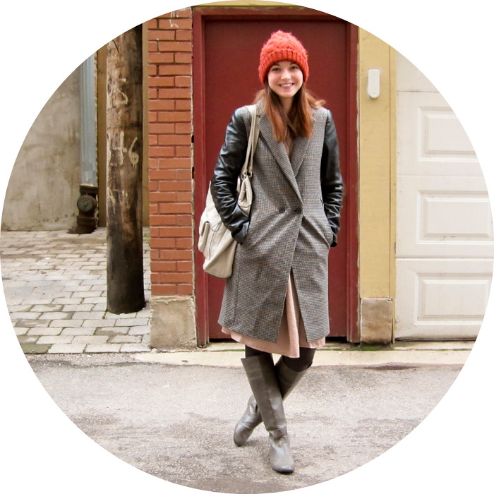 dash dot dotty, christmas coat, leather sleeves, tweed, orange hat, ootd, outfit blog