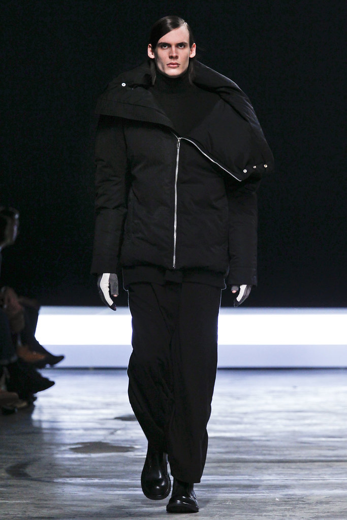 FW12 Paris Rick Owens038(VOGUE)