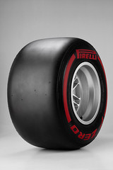 Pirelli_P_Zero_Supersoft RED_01