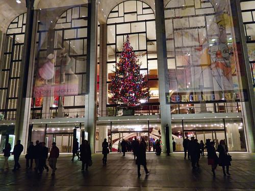 Met Christmas Tree