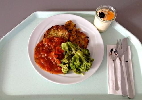Zucchinipuffer mit Broccoli / Zucchini pancakes with broccoli