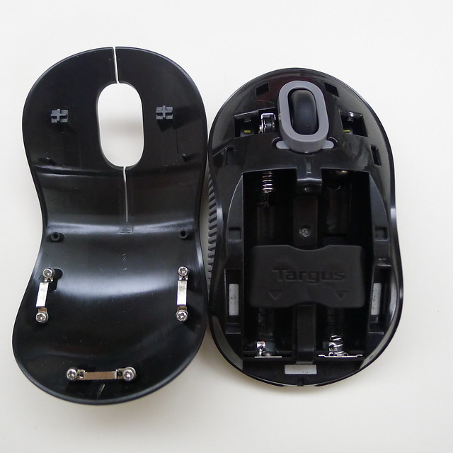 Targus Wireless Blue Trace Mouse - Opened
