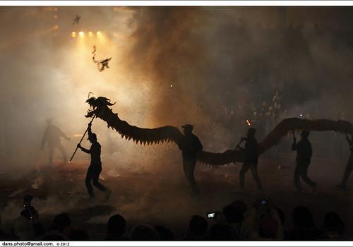 dragon taiwan miaoli firecrackers 2012 苗栗 火旁龍 炸龍 bombingdragon bombingthedragon 20120205