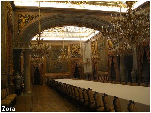 Dans le palais