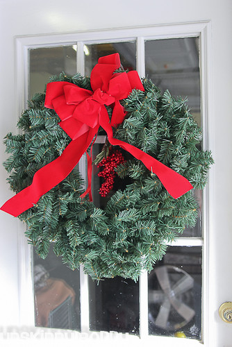 DIY Evergreen Christmas wreaths (8 of 16)