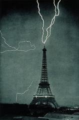 [Free Images] Architecture, Towers, Lightning / Thunderbolt, Eiffel Tower, Landscape - France, France - Paris, Black and White ID:201112102000