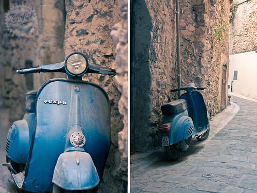 Dusty old Vespa by Carlo Vingerling